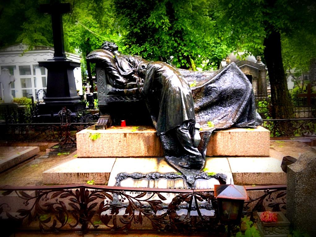 povești din Cimitirul Bellu