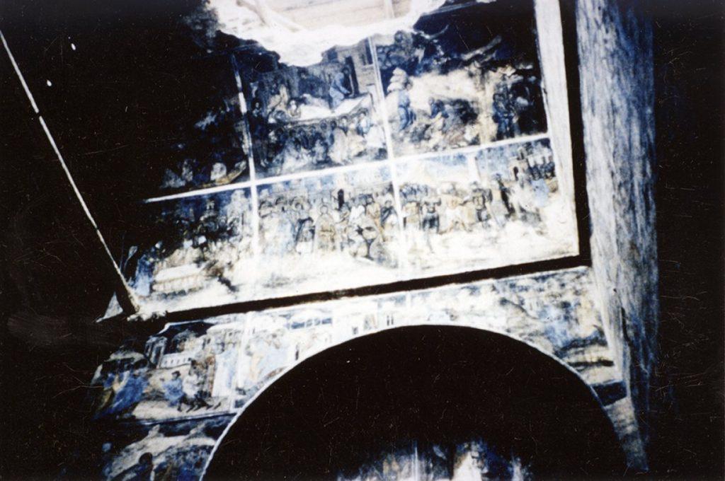 interior biserica in timpul demolarii