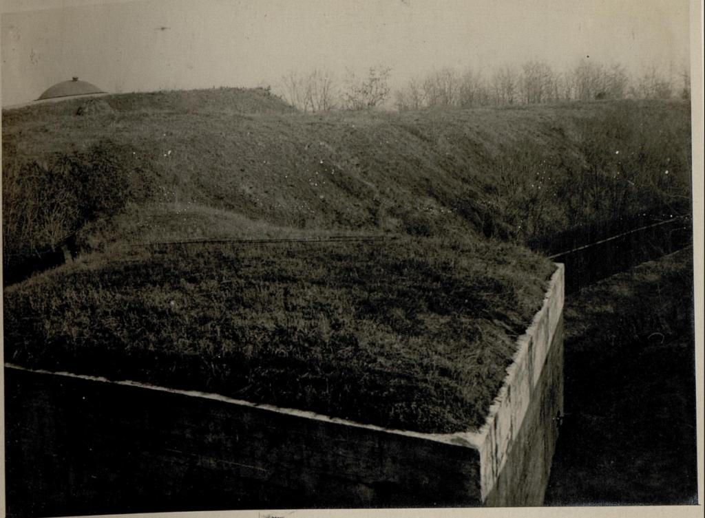bukarest-zwischenwerk-der-batterien-13-und-14-su%cc%88dfront-aufgenommen-am-24-12-1916