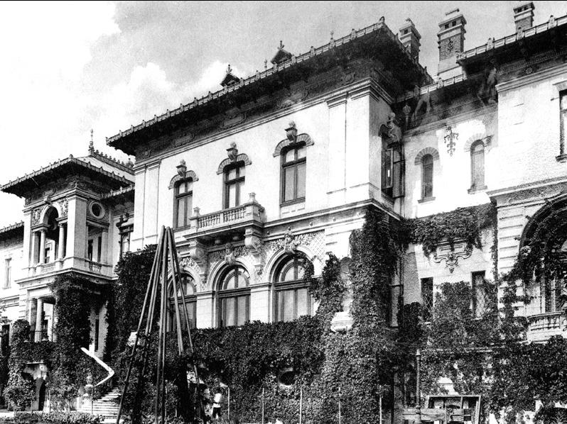 Palatul Cotroceni a fost sediul Palatului Pionierilor între 1949 și 1976 Sursa: Wikipedia
